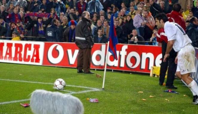 Terungkap, Cara Madrid Bujuk Figo untuk Khianati Barcelona